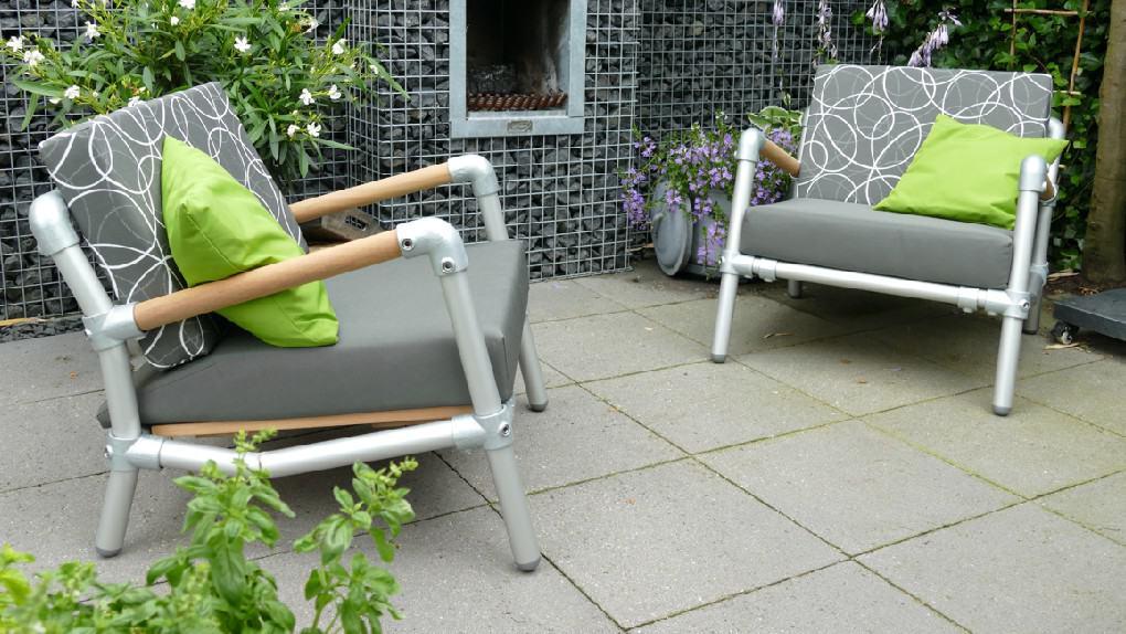 lounge stoelen in de tuin