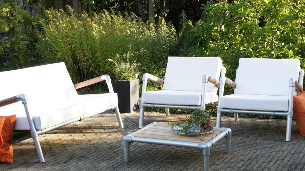 loungeset met lounge stoel tuin  en lounge bank buiten is een wit design tuinmeubelen van aluminium. wit