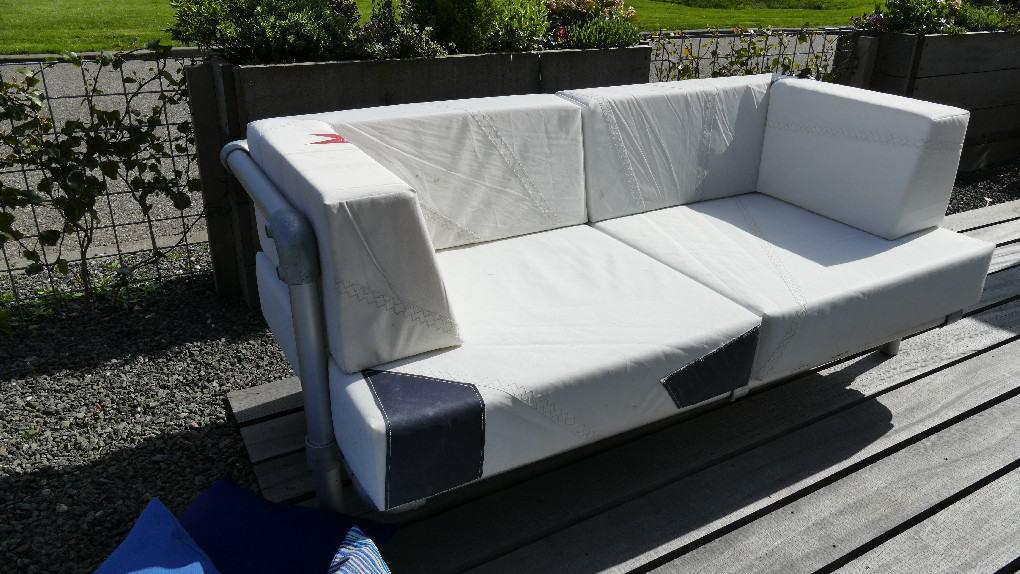 steigerbuizen loungebank uitgevoerd van gebruikte zeildoek