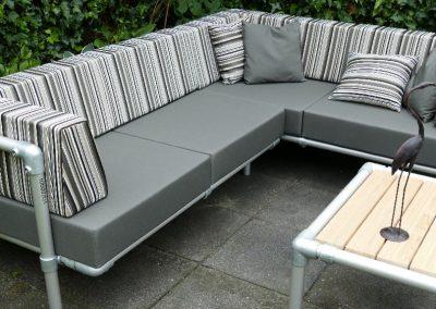 steigerbuizen lounge hoekbank voor buiten in tuin.