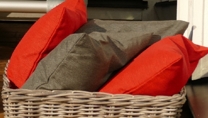 sierkussens voor buiten in antraciet grijs en rood