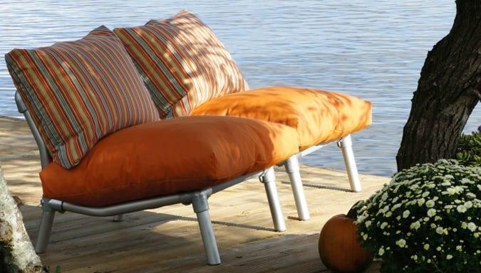 loungestoelen voor buiten in de tuin