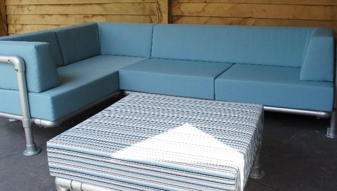 buiten lounge hoekbank in licht blauwe uitvoering
