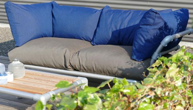 loungebank met veerkrachtige kussens