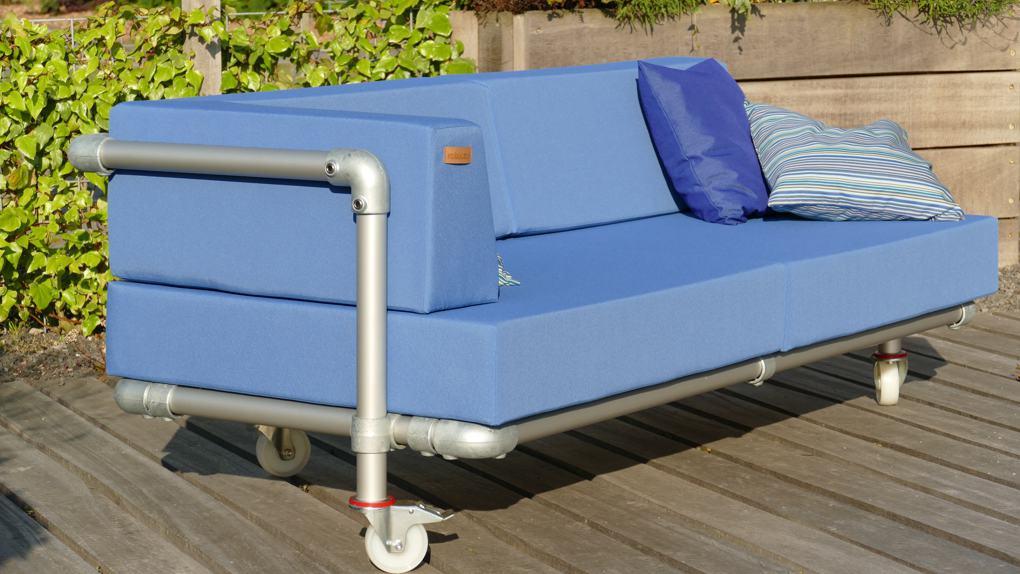 loungebank op wielen om te verrijden in de tuin