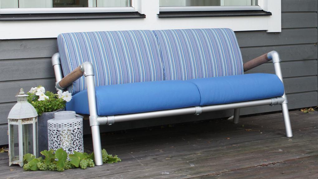 loungebank voor buiten in de kleur blauw