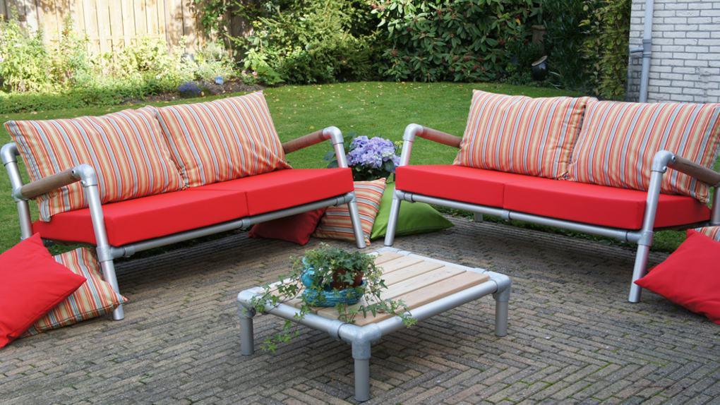 loungeset bankjes voor in de tuin