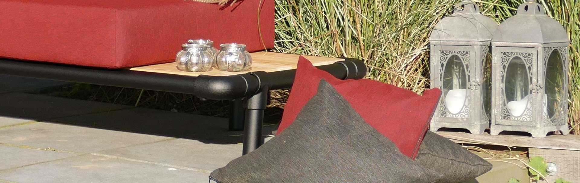 lounge hoekbank voor in de tuin, antraciet grijs met motief