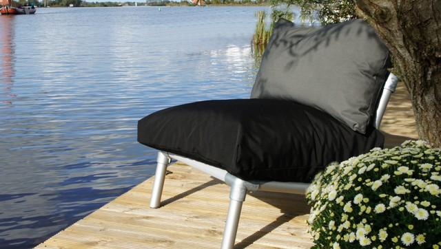 lounge  stoel voor buiten in de tuin