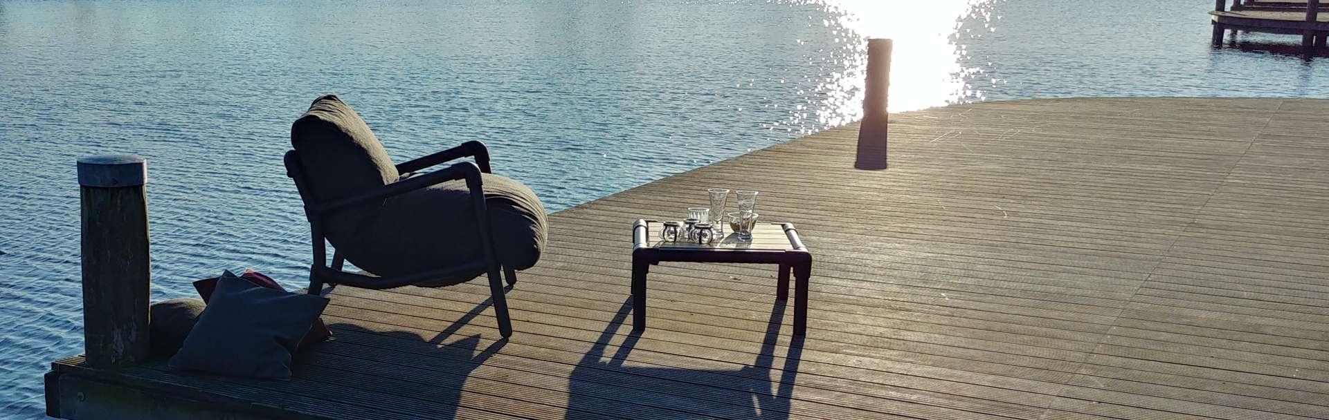 lounge stoel voor op terras
