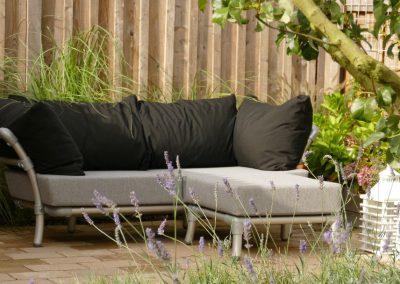 industrieel loungebank voor in de tuin