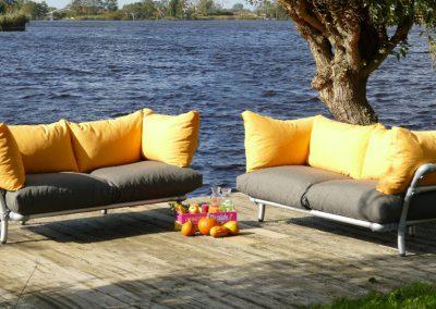 kleur rijke loungeset tuin