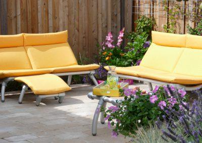 loungebanken voor buiten in de tuin