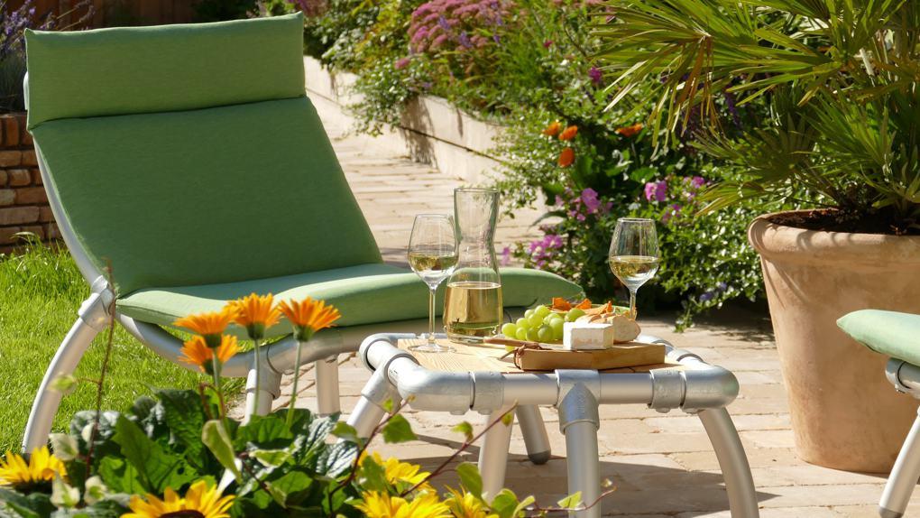 loungestoel voor in de tuin