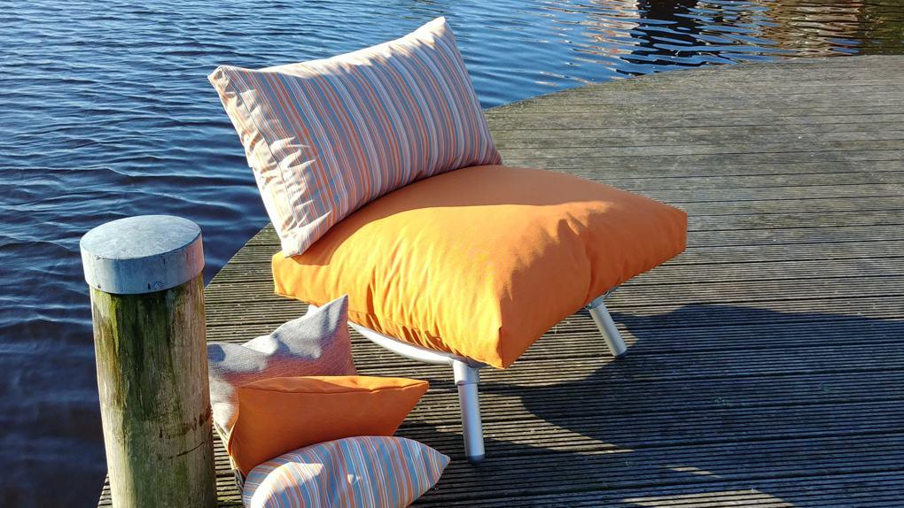 loungestoel tuin in de kleur oranje
