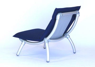 lounge stoel voor in de tuin